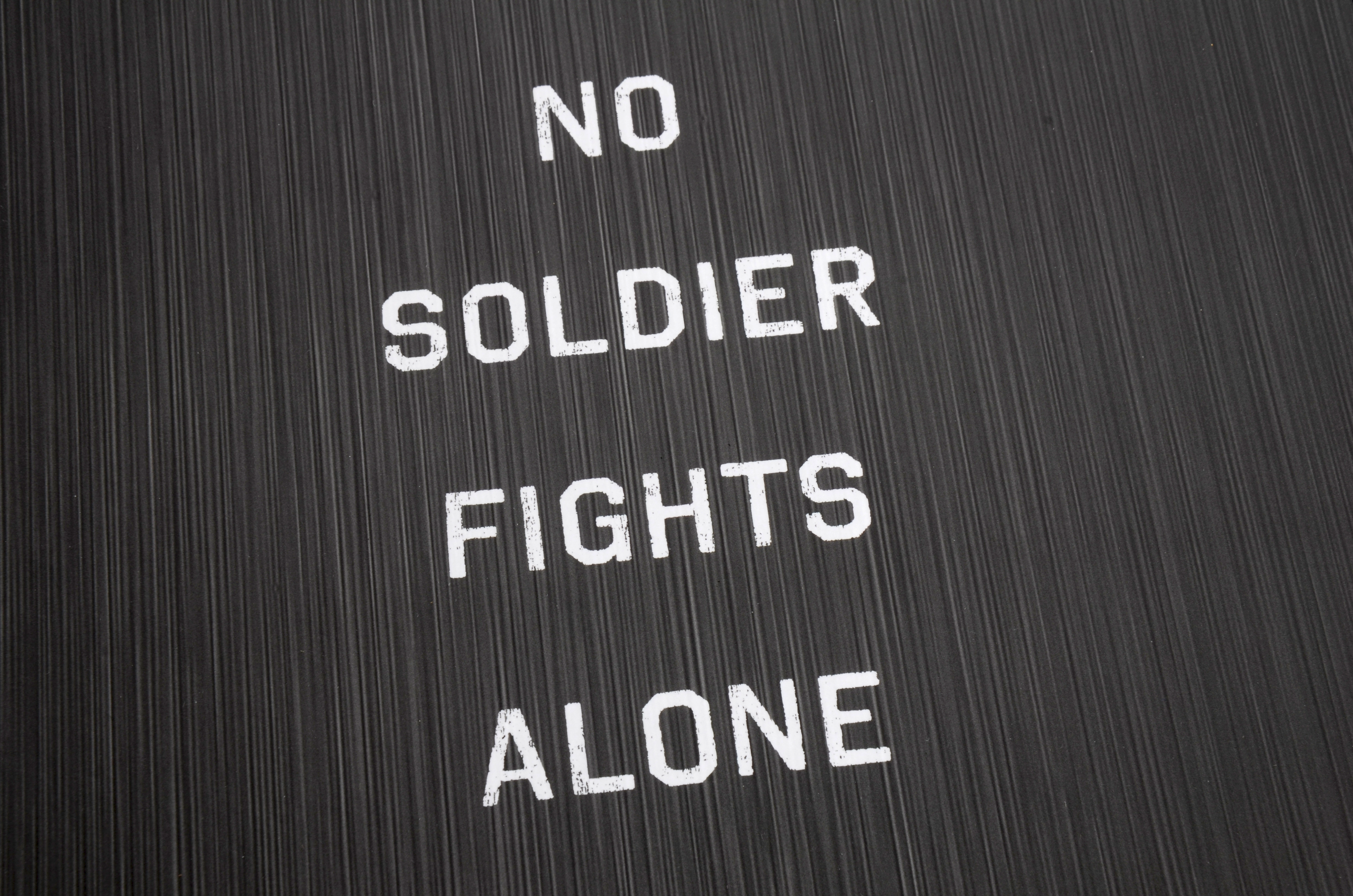 packaging, box, no soldier fights alone, national geographic, press kit packaging, soldier